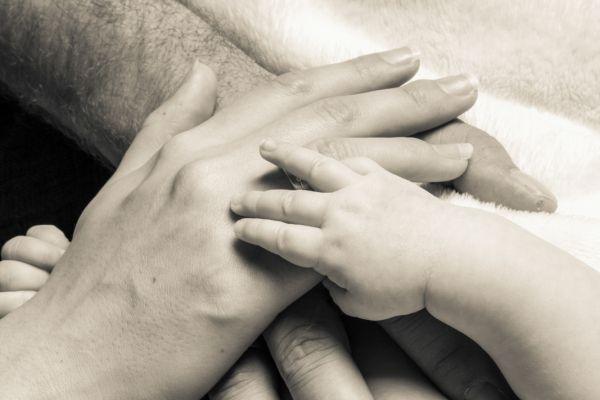 newborn-fotograf-07-muenchen7531068E-552A-0E11-050D-E19564BEC7F5.jpg