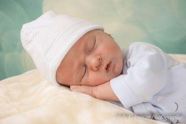 baby-0670D478D86-8D13-F222-08A8-4CCBBD385CDF.jpg