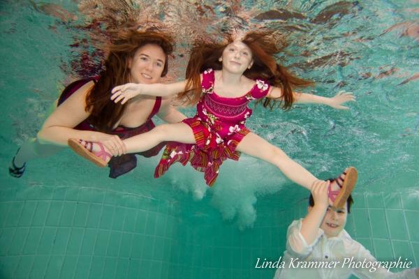 familienportrait-unterwasser-040624CB23-7D33-6B4A-4618-63A9AF4D3CD3.jpg