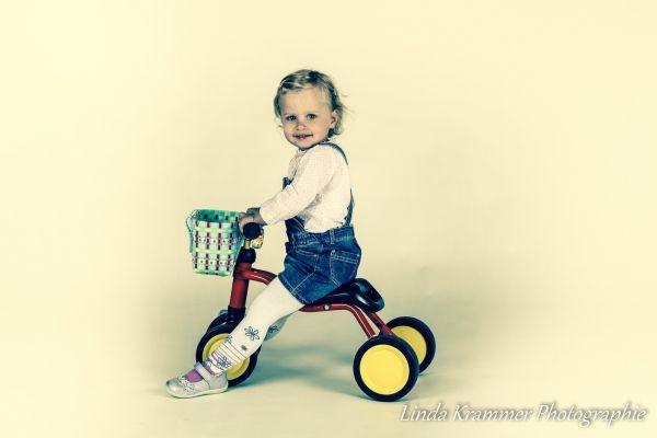 kinder-fotograf-muenchen-tegernsee-097550F986-BA2C-A44C-7E38-27237528CCE4.jpg