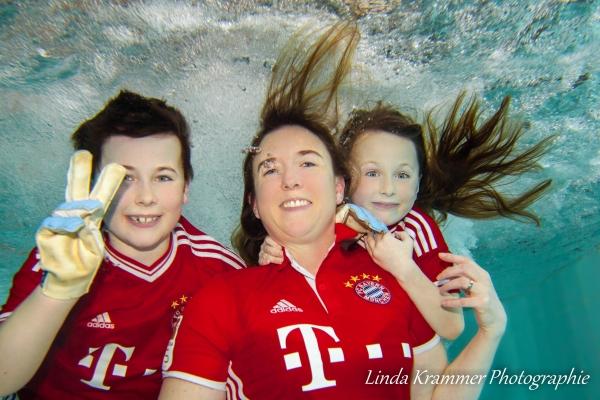 familienportrait-unterwasser-01AFEDB6C5-0403-18A9-3371-AD6DC01DA632.jpg