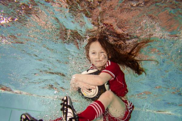 fussball-unterwasser-032E012D72-82FE-E496-47CC-B37C9B3DFA94.jpg