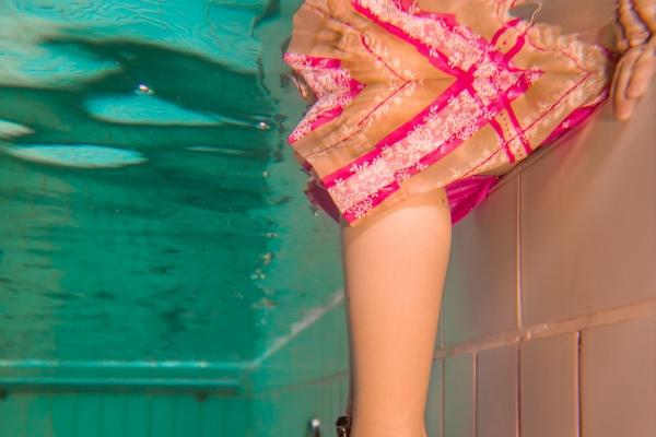 maedchen-unterwasser-01DAE7E1E4-93B8-85E3-0061-1F473DB27072.jpg