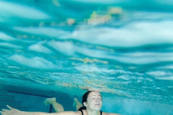 unterwasser-foto-bikini030145F883-4D6B-BF1E-6BA6-660E2E288B16.jpg
