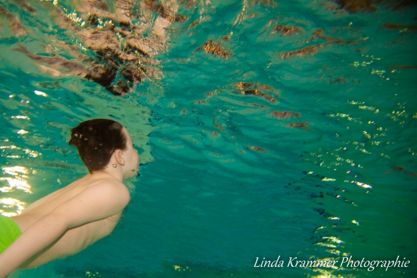 unterwasser-fotoshooting-07072BBDF4-D7C9-0153-6F98-765B5EDD11D8.jpg