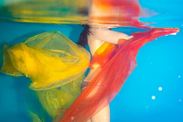 unterwasseraufnahme-naehe-muenchen0942699705-D5B9-5013-6435-011CDA063542.jpg