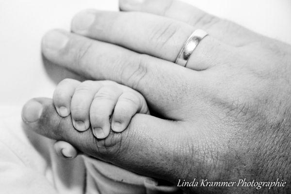 babyfotograf-muenchen-tegernsee-0010509189C-0DDC-88E3-F5D5-89D35CB524FA.jpg